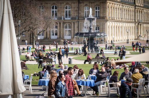 So lässt sich ein freier Tag aushalten: Am Ostermontag zog es viele Stuttgarter in die Sonne. Foto: Lichtgut/Achim Zweygarth