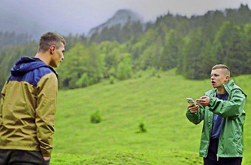 Im Clinch: Tschakko (Arton Novobredaljia, li.) und Jonas (Junis Marlon) Foto: BR
