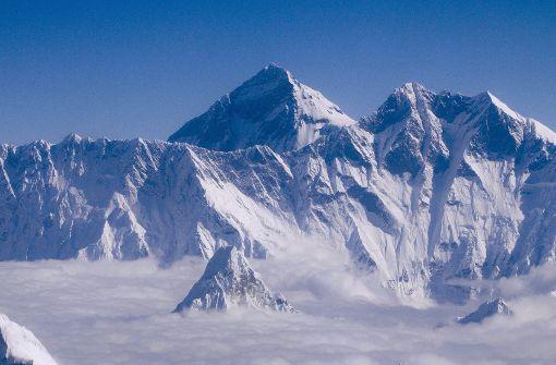Blick auf den Mount Everest, mit 8848 Metern der höchste Berg der Welt. Foto: dpa