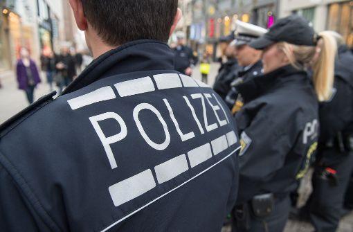 Eine Beamtin ist am Donnerstagabend bei einem Einsatz in Mannheim verletzt worden. (Symbolfoto) Foto: dpa
