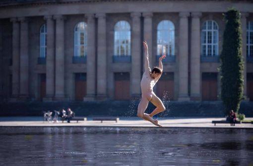 Wie ein Weltstar  überm Wasser tanzen  kann