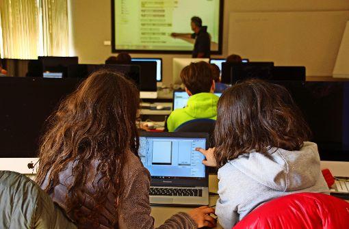 Die erste Lektion im Kurs: Einen Würfel programmieren. Foto: Sabrina Höbel