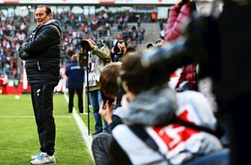 Huub Stevens versucht sich nun wieder als Retter in der Bundesliga. Dieses Mal nicht in Stuttgart, sondern in Hoffenheim. Foto: