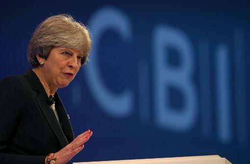 Premierministerin Theresa May fordert neue Kultur des Respekts