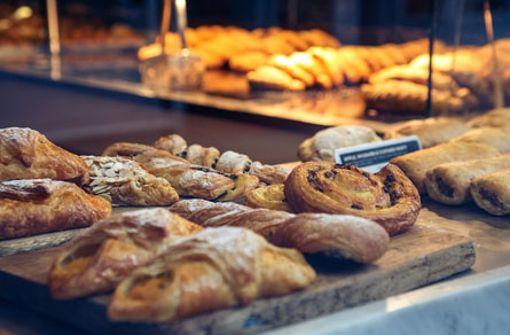 Welche Bäcker haben in Stuttgart sonntags auf?