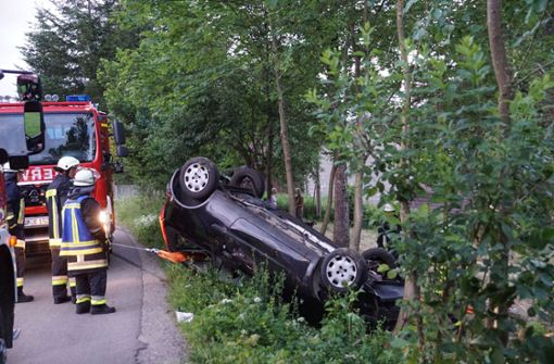 Kumpel leiht sich Auto aus – und fährt es zu Schrott