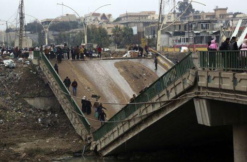 Wie hier in Mossul ist ein Großteil der irakischen Infrastruktur zerstört. Foto: AP