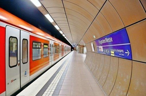 Beim Stuttgarter Flughafenbahnhof soll auch ein drittes Gleis für den Fern- und Regionalverkehr gebaut werden. Foto: dpa