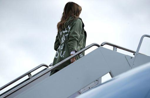 Melania Trumps Jacke löst Diskussionen aus