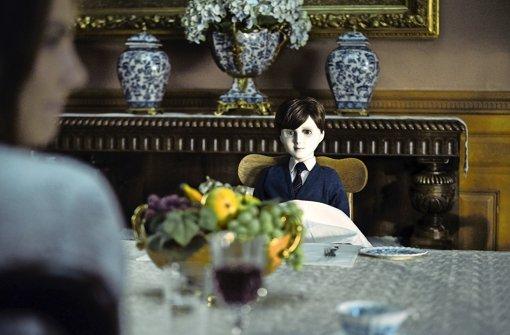 """Auf eine Porzellanpuppe aufpassen: Szene aus """"The Boy"""" Foto: Capelight Pictures"""