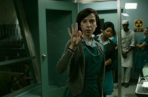 Sally Hawkins spielt eine Putzkraft in einem Geheimlabor.  Foto: Verleih