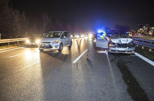 Sechs Fahrzeuge kollidieren nach Ausweichmanöver auf B29