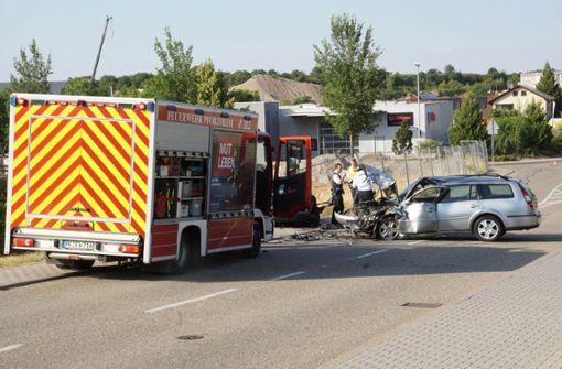 Drei Verletzte bei Unfall nach Sekundenschlaf