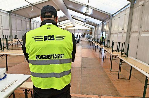 Sicherheitsleute in Asylzelt reduziert