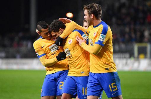 Braunschweig bleibt dem VfB auf den Fersen