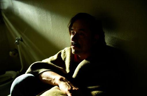Sebastian (Jan Josef Liefers) in der Isolationshaft Foto: ZDF/Jürgen Olczyk