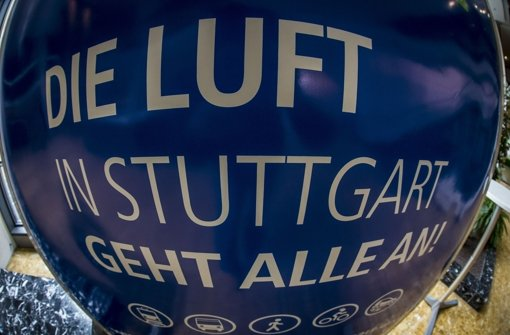 Dicke Luft in Stuttgart: Die Stadt hat zum zweiten Mal in diesem Jahr Feinstaubalarm ausgelöst. (Archivfoto) Foto: Lichtgut/Leif Piechowski