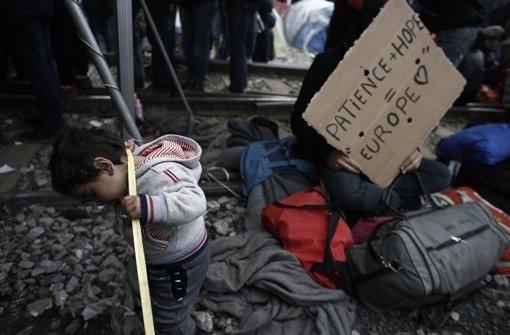 Flüchtlinge harren   aus