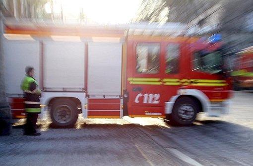 Reisebus auf der A8 brennt aus
