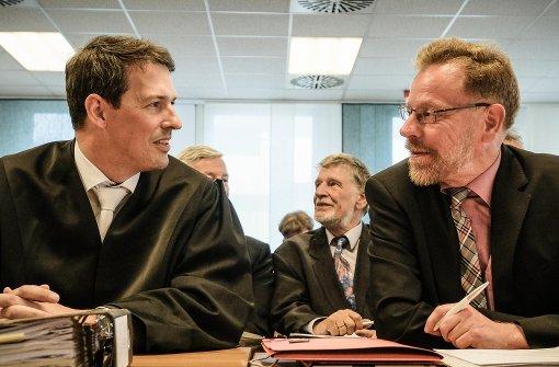 Kläger Rainer Bohnet von der Stuttgarter Netz AG (re.) mit Anwalt Michael Sitsen. Foto: Lichtgut/Leif Piechowski