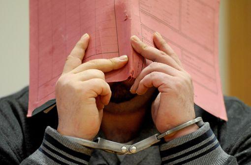 Krankenpfleger für 97 Morde an Patienten angeklagt