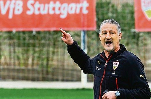 Selbstbewusst ins Spiel gegen den HSV: VfB-Trainer Jürgen Kramny Foto: Getty