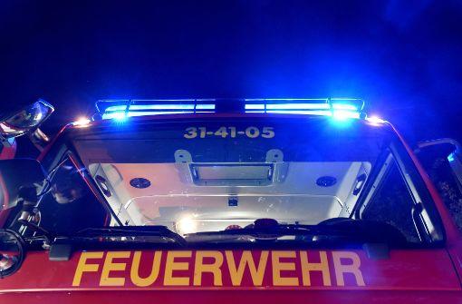 Mann springt bei Hausbrand aus dem dritten Stock