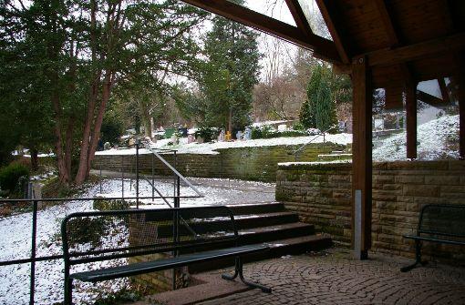 Gemeinde fordert Sanierung des Friedhofs