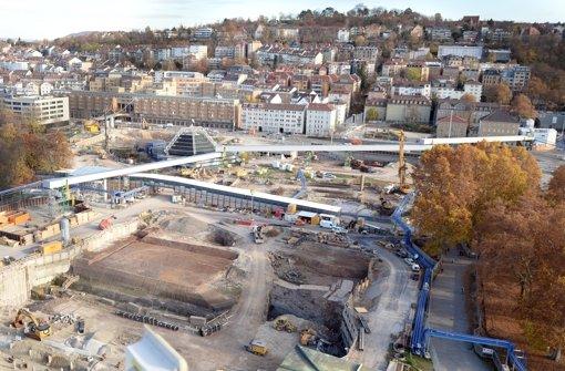 Die Bauarbeiten im Schlossgarten für den Tiefbahnhof gehen nicht so schnell voran wie geplant. Foto: dpa