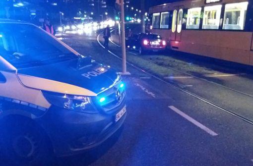 Eine Mini-Fahrerin ist am Dienstagabend in Stuttgart-Mühlhausen in eine Stadtbahn gefahren. Foto: 7aktuell.de/Jens Pusch