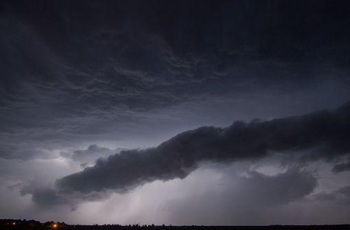 Wetterdienst warnt vor Blitzen und Starkregen