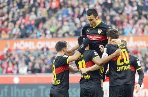 3:1 in Köln gewonnen – der VfB darf jubeln. Foto: Baumann