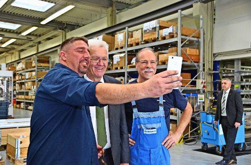 Kretschmann besucht Leinfelder Firma