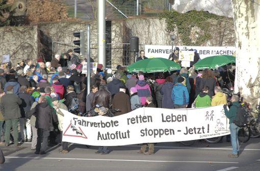 Die Demonstranten kamen am Neckartor zusammen.  Foto: 7aktuell.de/Andreas Friedrichs