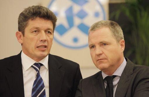 Rainer Lorz (rechts) ist neuer Kickers-Chef, Friedrich Kummer trat aus dem Präsidium zurück. Foto: Baumann