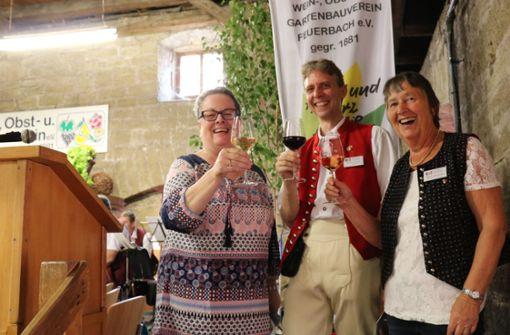 Die stellvertretende Bezirksvorsteherin Susanne Ramp, der Vorsitzende des WOGV Steffen Wirth und die zweite Vorsitzende Ingrid Hörenberg (v.l.) bei der Eröffnung. Foto: Torsten Ströbele