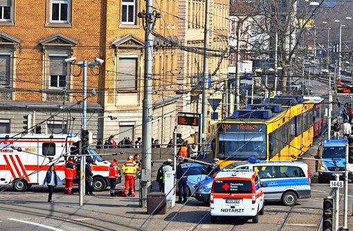 Unfallbrennpunkt Nummer eins in Stuttgart: Die Kreuzung Prag-/Neckartalstraße zwischen Rosensteinbrücke und Wilhelma Foto: