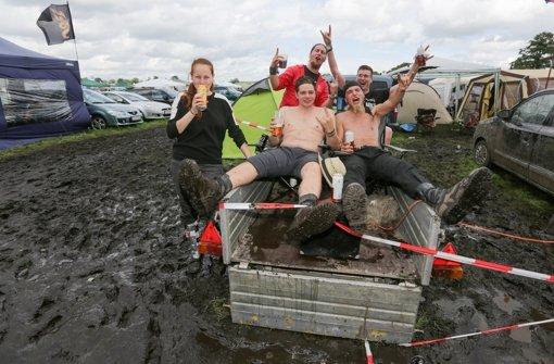 Wacken startet als Matsch-Festival