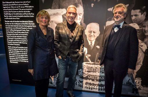 Starregisseur Roland Emmerich besucht Ausstellung