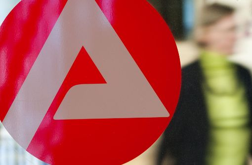 In Baden-Württemberg sind im April etwa 215000 Personen als arbeitslos gemeldet gewesen