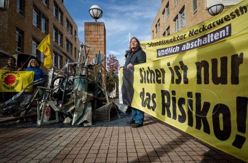 """Aktivisten protestieren gegen """"Schrottzustand"""""""