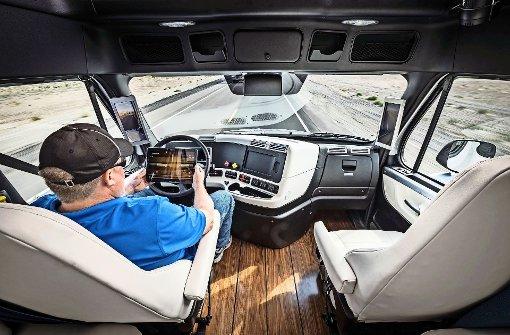 Doch zum Testfeld – mit autonomen Lastern