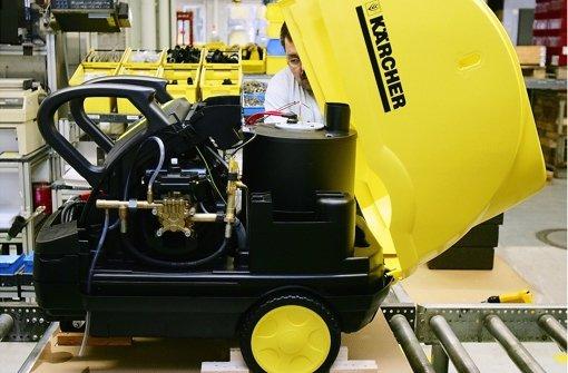 Fertigung von Reinigungsmaschinen bei Kärcher: Seit 1964 gibt es einen Betriebsrat, die IG Metall hat darin keinen Einfluss. Das will die Arbeiterorganisation nun ändern. Foto: dapd