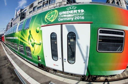 Deutsche Bahn gestaltet Züge mit Motiven der U19-Fußball-EM