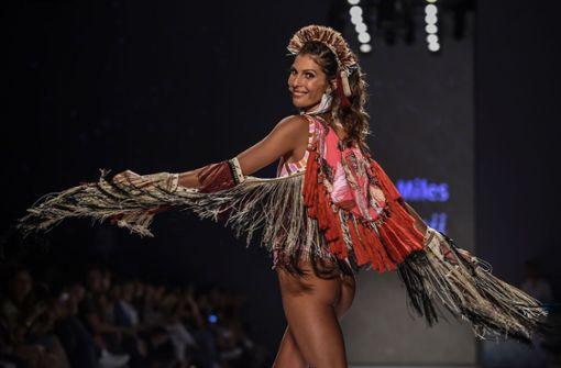 Knappe Bikinis und südamerikanisches Flair