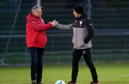 ...im Austausch mit Coach Hannes Wolf. Foto: Pressefoto Baumann