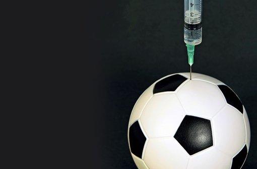 Mit Hilfe der Pharmazie können auch Fußballer ihre Leistung erheblich steigern Foto: dennisjacobsen - Fotolia