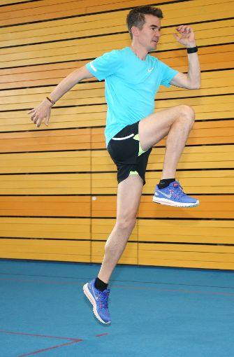 Übung 2: Der Hopserlauf. Foto: Pressefoto Baumann