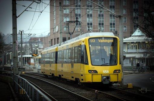 Ein Stadtbahnzug in Stuttgart-Vaihingen: Eigentlich soll man damit an Feinstaubtagen vergünstigt fahren können, doch nicht immer erfüllt sich diese Hoffnung. Foto: Lichtgut/Achim Zweygarth