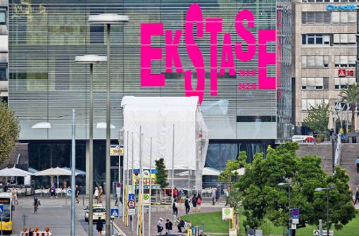 Schon jetzt zeigt das Kunstmuseum auf seiner Fassade an, um was es bald im Inneren geht: um Ekstase! Foto: Lichtgut/Leif Piechowski